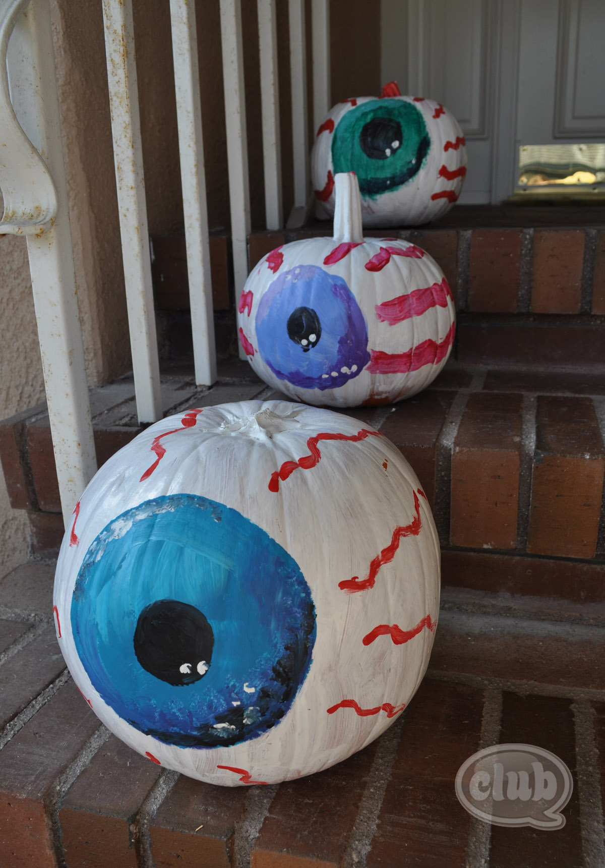 Eyeball painted pumpkins diy Funny pumpkin painting ideas