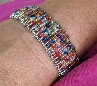 safety pin bracelet DIY