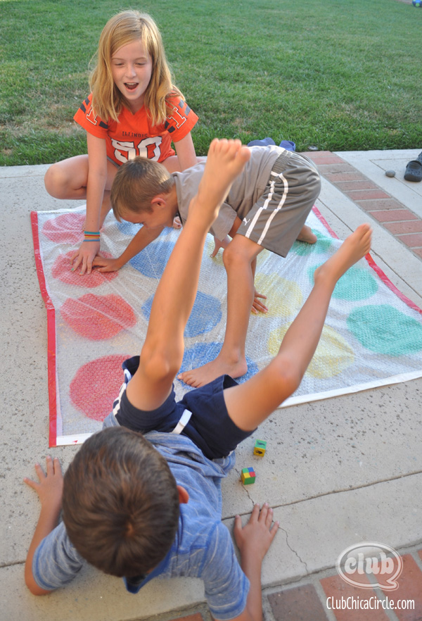 Bubble Wrap Twister Game @clubchicacircle