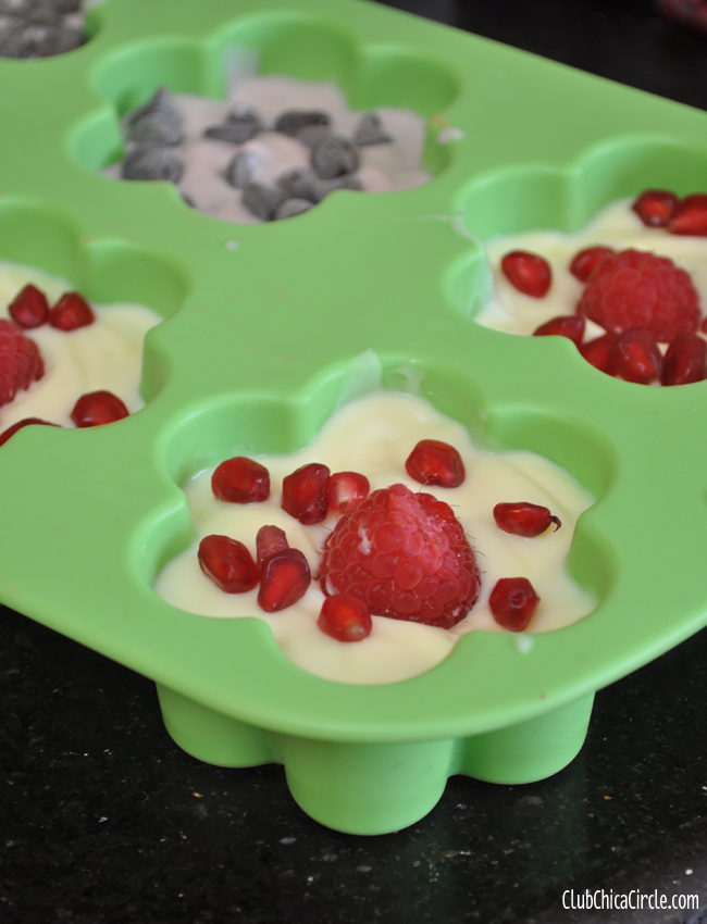 frozen yogurt shaped dessert treats