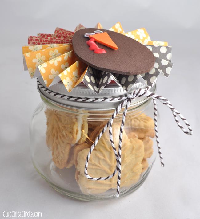 Paper Flower Turkey Mason Jar Thanksgiving Gift Idea @clubchicacircle