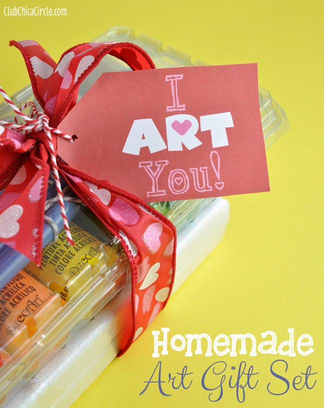 ART-You-Free-Printable-gift-tag-with-homemade-art-set.jpg