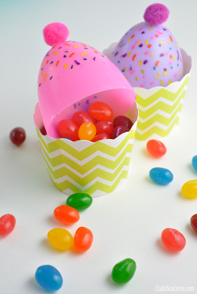 Plastic egg cupcake treat cups