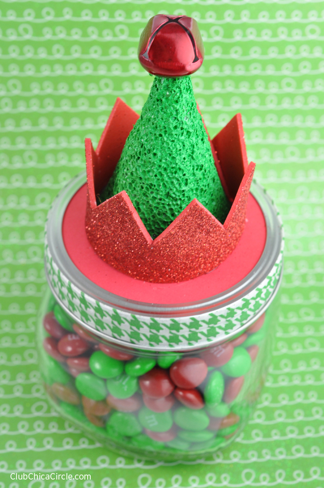 Easy Elf Hat Mason Jar #MakeItFunCrafts