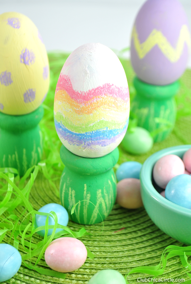 Easy Chalk Egg decorations with Chalky Finish paint