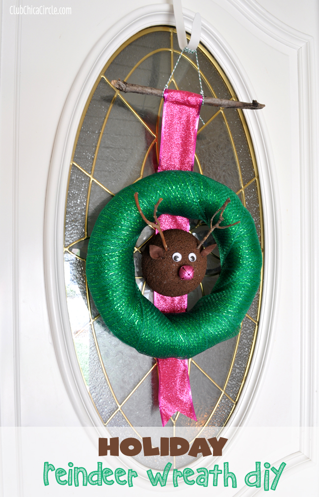 homemade holiday reindeer wreath DIY with foam