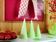 homemade-chalk-christmas-tree-cone-holiday-decoration-clubchicacircle
