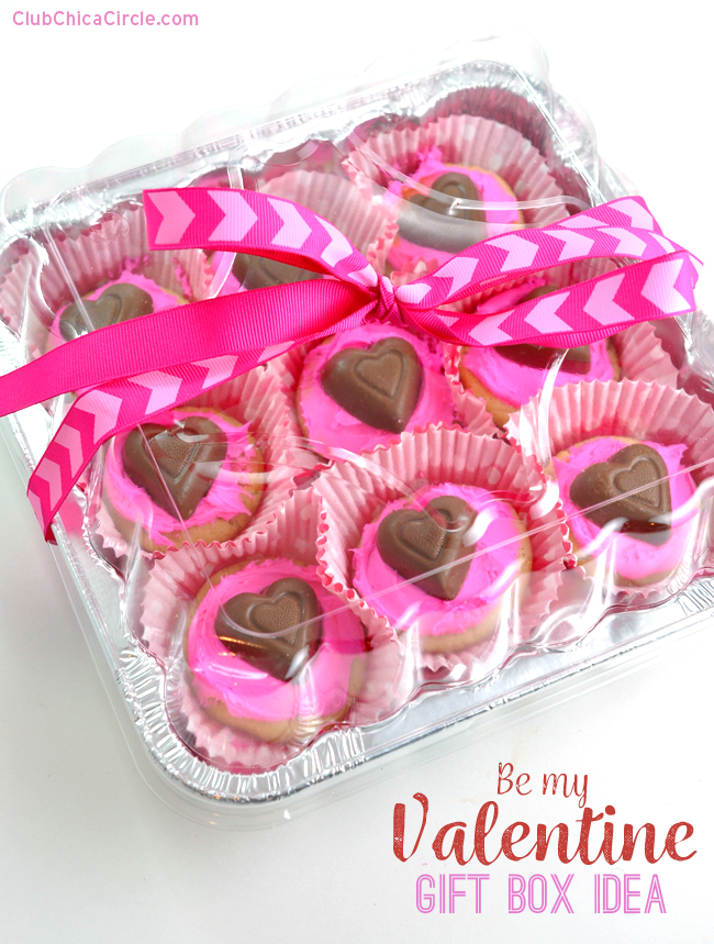 Decorated Bakery Cookies for Easy Valentine's Day Homemade Gift Idea