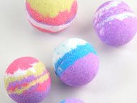 LUSH inspired homemade bath bomb recipe that's just like LUSH