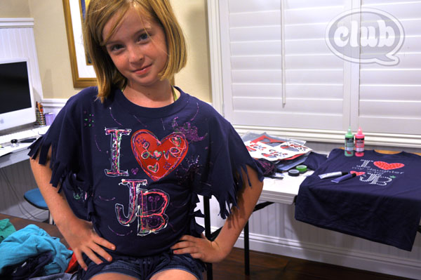 Customize And Accessorize Your T Shirt For A Special