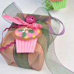Cupcake gift tags feature