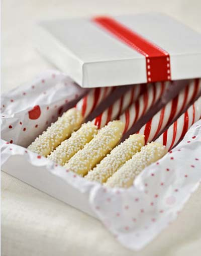 chocolate-peppermint-sticks