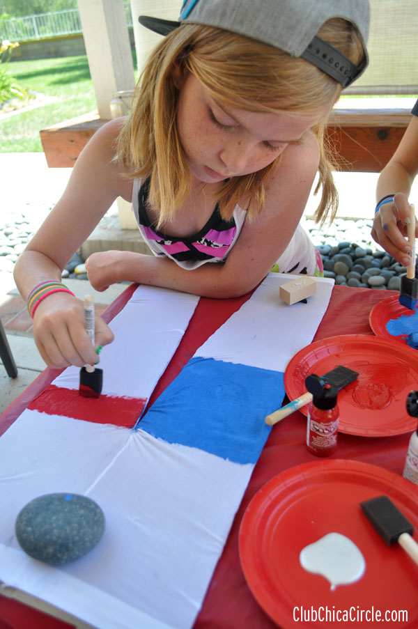 homemade stamp 4th of July kids fashion craft idea