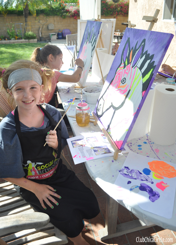 tween girl and mom art party with social artworking