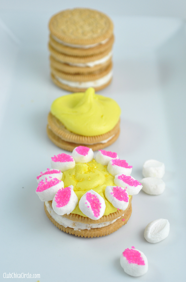 Easy Marshmallow flower petal cookies