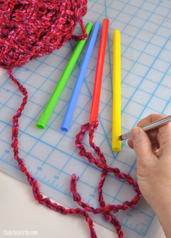 How to make homemade knitting needles with straws