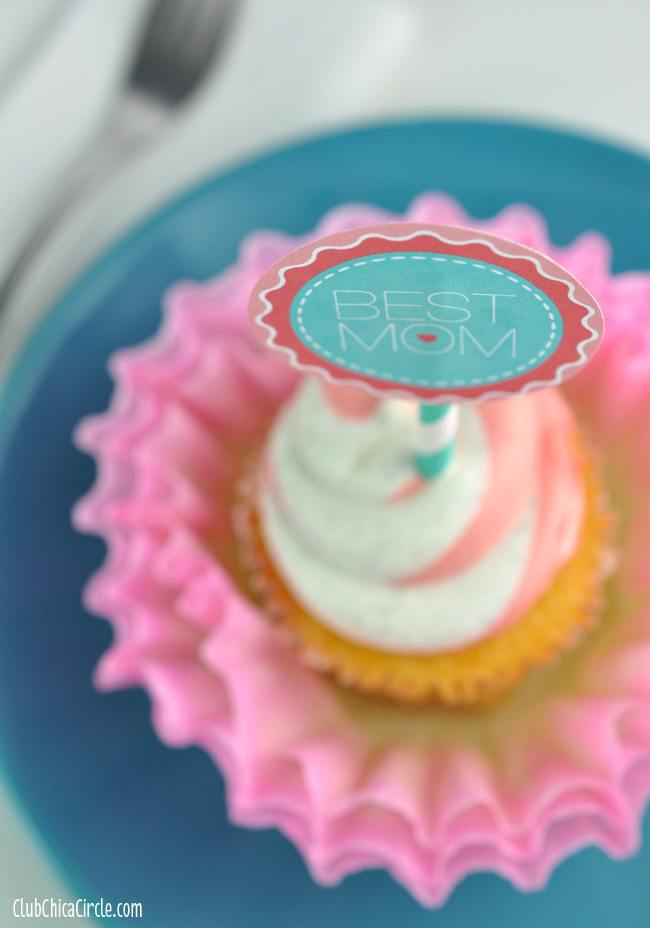 Mother's Day Cupcakes with dyed coffee filter flowers and free printable