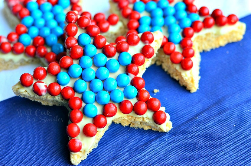 Red-White-and-Blue-Rice-Krispie-Stars-3-from-willcookforsmiles.com-redwhiteandblue-treat-memorialday