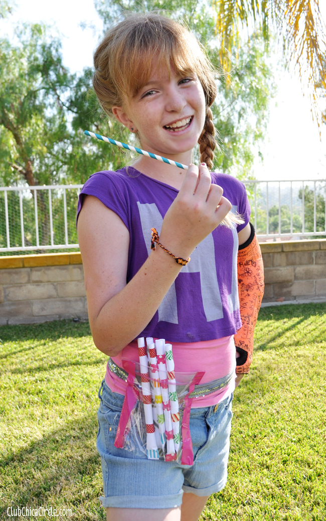 Straw shooter belt for tween