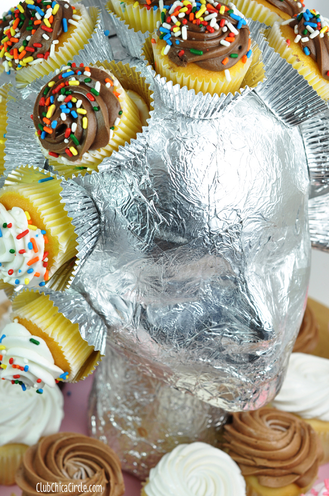 one of a kind cupcake head centerpiece DIY