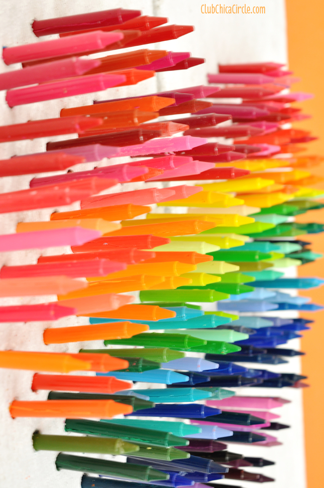 Faux Stoney Rainbow Crayon Wall Art DIY @clubchicacircle