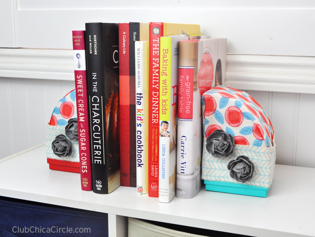 Easy Homemade bookends with foam cake form #makeitfuncrafts