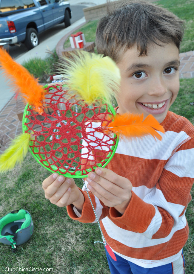 Easy Kid Craft - Homemade Dream Catcher