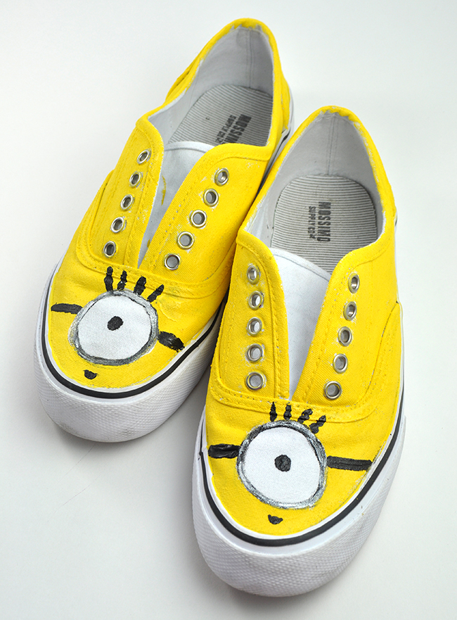 Minion shoes step 3
