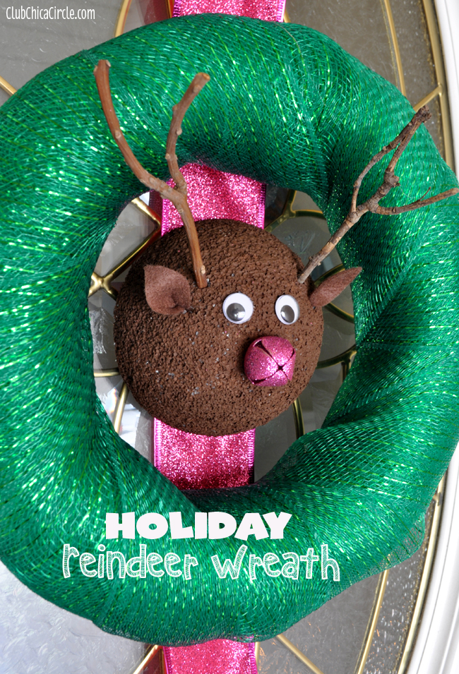 Handmade Holiday Reindeer Wreath Craft Idea