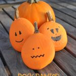 Painted Rock Pumpkins DIY @chicacircle